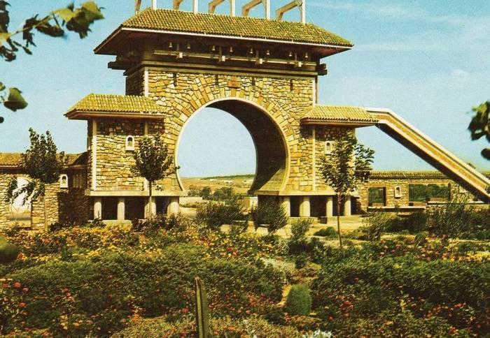 حديقة البرج الشرقي بمدينة مستغانم
