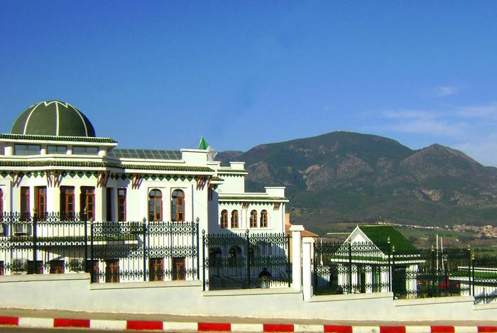 دار بلدية تيبازة